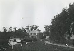 Waveney Hotel old photo